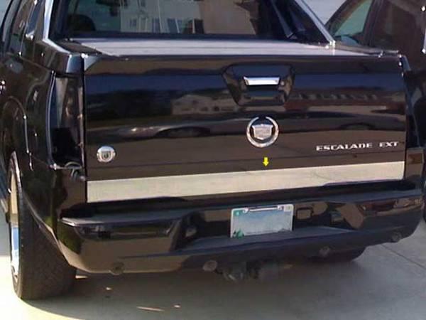 "QAA - Cadillac Escalade 2002-2005, 4-door, EXT (1 piece Stainless Steel Tailgate Accent Trim 3.75""width ) RT42257 QAA"