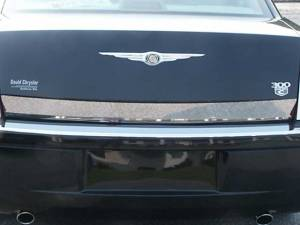 "Chrome Trim - Trunk Lid Accents - QAA - Chrysler 300 2005-2010, 4-door, Sedan (1 piece Stainless Steel Rear Deck Trim, Trunk Lid Accent 3.62"" Width ) RD45760 QAA"